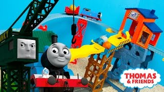 getlinkyoutube.com-Thomas and Friends TrackMaster Mad Dash on Sodor Train Toys | Kinder Playtime