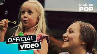 getlinkyoutube.com-Ewig – Ein Geschenk (Offizielles Video)