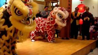 getlinkyoutube.com-Chinese New Year Lion Dance Performance 2011 - Buddhist Temple.wmv