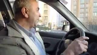 getlinkyoutube.com-Ranande Taxi bahal راننده تاکسی که صدای خواننده ها تقلید میکنه
