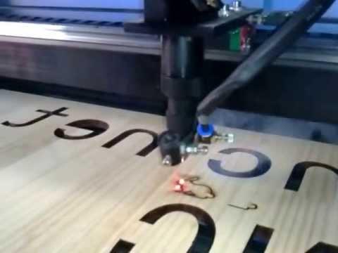 Máquina CNC de corte por láser - Corte de Madera - tecnodepunta.com