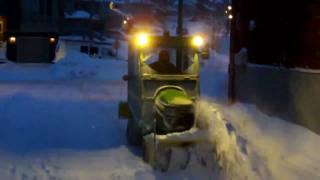 getlinkyoutube.com-Snowblower Close up at Night