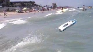 getlinkyoutube.com-RC Boat Open Ocean Wave Bash - Daytona Beach, Florida