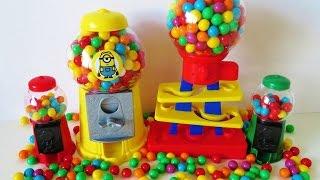 getlinkyoutube.com-Gumball machine candy dispenser for children learn colors minions gum ball bank toys