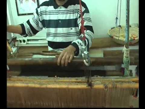 Local weaver in the rue Sidi ben Slimane, you can see him on your way to Riad Ariha Marrakech