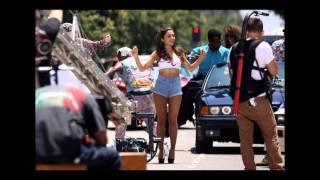getlinkyoutube.com-Ariana Grande Looking Sexy In Short Shorts - Baby I