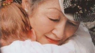 getlinkyoutube.com-【オランダ国民絶賛!!】美智子皇后陛下が抱きしめた少女へのお気遣いにオランダ国民が感動