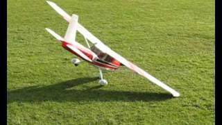 getlinkyoutube.com-Maiden flight of a 4 stroke Cessna at Winsford