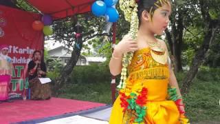 Lomba Baju adat Hari Kartini 2016