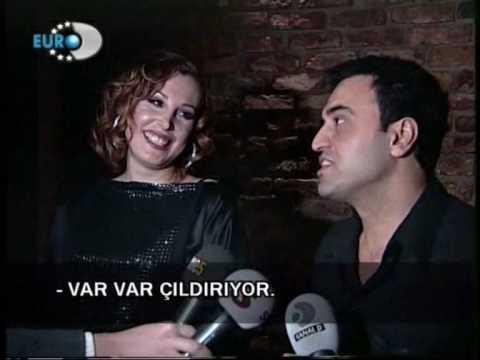 Funda Arar ve esi Febyo Tasel ile bir söylesi  www.facebook.com/askadinasarkilar