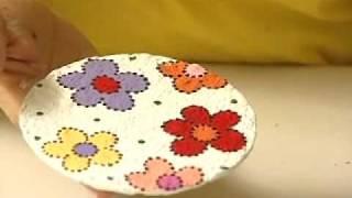 getlinkyoutube.com-Reciclagem de CD com papel Machê - Pêndulo, miçangas.