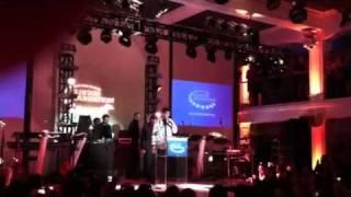 Drake chante pour Bill Clinton