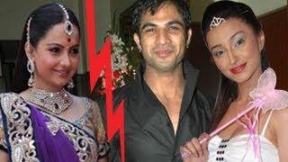 getlinkyoutube.com-Gopi CATCHES Ahem & Anita IN BED TOGETHER in Saath Nibhana Saathiya 19th April 2012