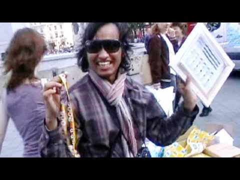 Guerilla on Trafalgar Square in London.