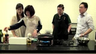 getlinkyoutube.com-蕭太大廚出馬:話梅炆五花腩〈政治熱廚房〉2015-05-05 a