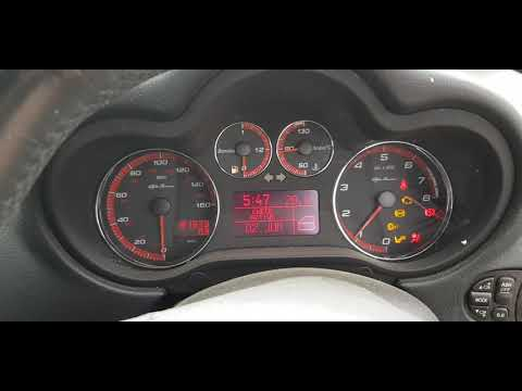 Расположение фильтра двигателя в Альфа Ромео Giulia