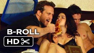 getlinkyoutube.com-The DUFF B-ROLL 2 (2015) - Mae Whitman, Robbie Amell Movie HD