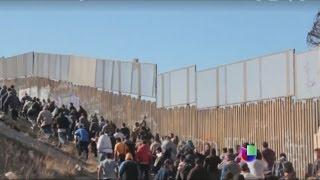 getlinkyoutube.com-¿Cruce de película en la frontera hacia Estados Unidos? -- Noticiero Univisión