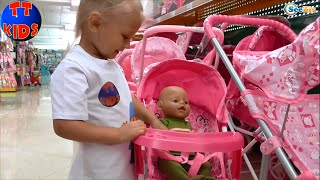 getlinkyoutube.com-✔ Baby Born VLOG. We are buying a perambulator for a Doll. Покупаем коляску для Куклы. Серия 8 ✔