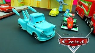 getlinkyoutube.com-Disney Pixar Cars Tokyo Mater Races for Radiator Springs with Francesco Bernoulli down a race track