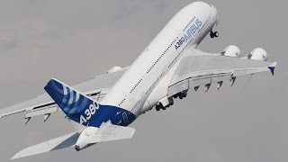 getlinkyoutube.com-AMAZING Airbus A380 near VERTICAL Take-off - Paris Air Show 2015