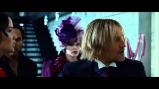 getlinkyoutube.com-The Hunger Games - Katniss attacks Peeta 1080p