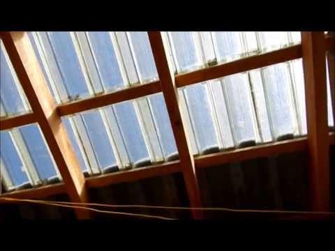 Ecolaje com Telhado Transparente.