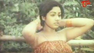 getlinkyoutube.com-Indian Actress Sridevi's Spicy Video from her First Movie