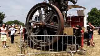 getlinkyoutube.com-Giant Diesel engine Sulzer (START UP)