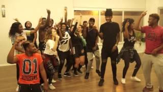 getlinkyoutube.com-Délire avec Cheza & musiQon Ekotite ( Koffi Olomide - Selfie )