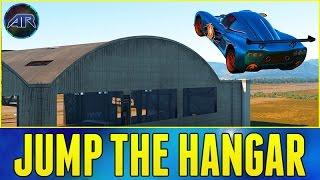 getlinkyoutube.com-Forza Horizon 2 : JUMP THE HANGAR!!! (Mini Challenge)
