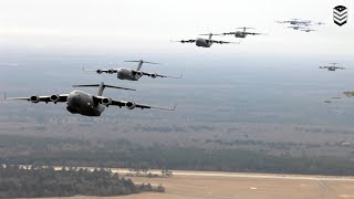 Monstrously Powerful U.S Cargo C-17 Globemaster in Large Formation width=
