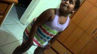 getlinkyoutube.com-Menininha de 5 anos - treinamento do bumbum