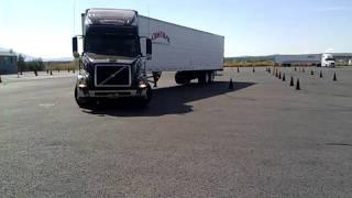 getlinkyoutube.com-Parallel Parking 18 Wheeler