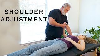 getlinkyoutube.com-Chiropractic Adjustment for Shoulder Pain, Are Your Arms Working? Neck, Carpal Tunel