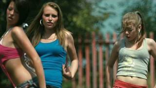 Download video tomboy 2011 trailer for Fish tank trailer