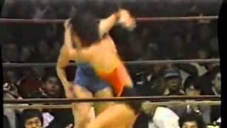 getlinkyoutube.com-Mika Komatsu vs Condor Saito - AJW 1984