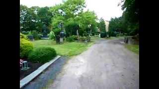 getlinkyoutube.com-Ghost? Orb? Lightball? on German cemetery (Geist auf Friedhof???)