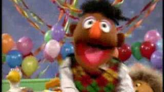 "getlinkyoutube.com-Sesame Street - ""A Cat Had a Birthday"""