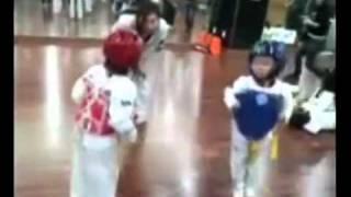 Super Funny !Two Kids Taekwondo Danceing Duel   O(∩_∩)O~