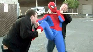 getlinkyoutube.com-Amazing SPIDER-MAN Fights Crime