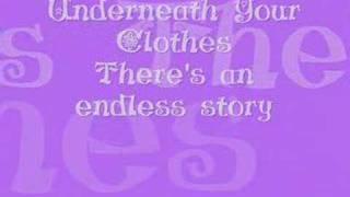 getlinkyoutube.com-Shakira - Underneath Your Clothes