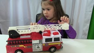 getlinkyoutube.com-Bé Peanut Mở Đồ Chơi Xe Cứu Hỏa -  Emergency Fire Rescue Engine Truck Toy From Just Kidz