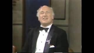 getlinkyoutube.com-Ken Kesey on Late Night, November 8, 1983