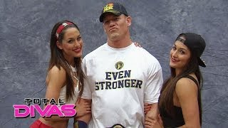getlinkyoutube.com-The Bella Twins meet the WWE Universe at Comic-Con: Total Divas, March 16, 2014