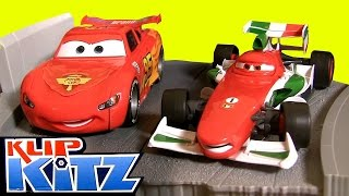 getlinkyoutube.com-Klip Kitz Cars2 Race To The Finish Line Deluxe Kit Clip Lock Build Customize by Toy Collector