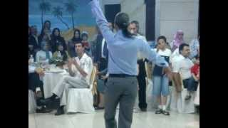 getlinkyoutube.com-أجمل رقص شرقي (eastern dance by a man).mpg