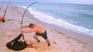 getlinkyoutube.com-Giant Shark defeats Two Experienced Fisherman