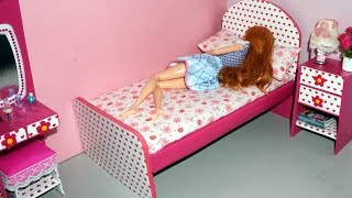 getlinkyoutube.com-How to make a cardboard bed for dolls - miniature crafts DIY *no hot glue gun*
