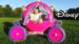 getlinkyoutube.com-Disney Princess Carriage Ride-on Powerwheels 24v Dynacraft with Cinderella and Rapunzel toys